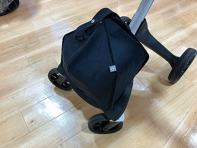 形状の異なるショッピングバッグ、新型V6